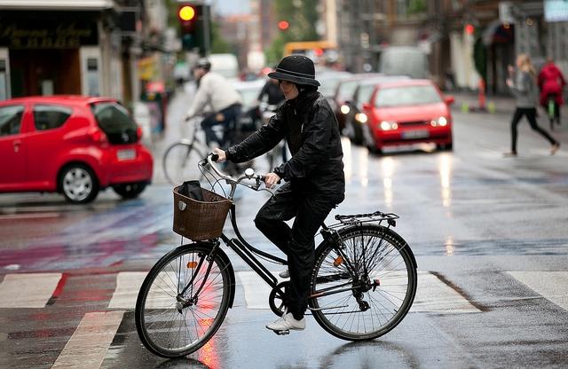 велосипед дождь велопрогулка в дождливую погоду