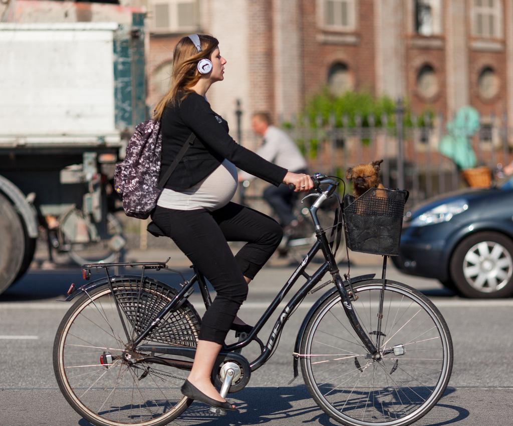 Курске негритянки что чувствует девушка когда садится на велосипед нарезки